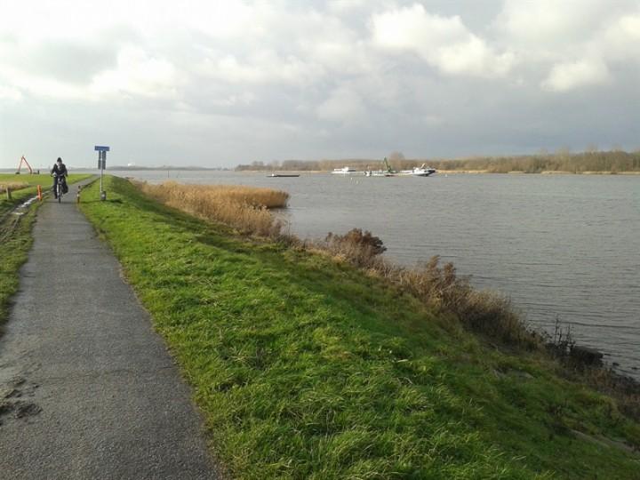 Dijkverbetering Eemdijk van start